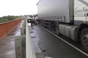 В Петербурге нашли скрывшийся с места массовой аварии грузовик