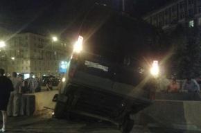 Микроавтобус вылетел в переход метро станции «Новочеркасской»