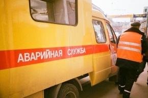 На Васильевском острове машина провалилась под землю