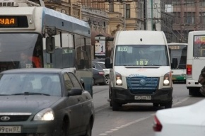 В Петербурге в аварии с маршруткой пострадал пассажир