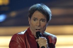 Клифф Ричард отменил концерт из-за обвинений в педофилии