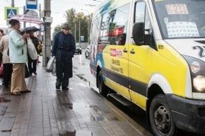 На проспекте Ветеранов в маршрутке умер пассажир