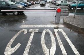 В Петербурге за сутки 12 человек повредили припаркованные машины