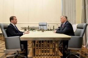 Медведев в третий раз переназначил Якунина главой РЖД