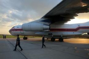 Борт МЧС доставил на лечение в Петербург двоих детей из Крыма