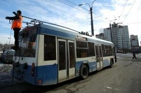 В Петербурге в троллейбус ударила молния