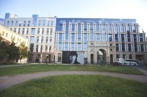 Полтавченко распорядился не трогать портрет Цоя в Петербурге