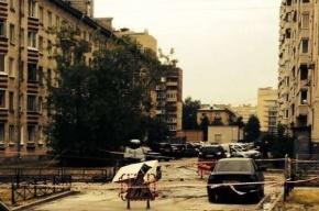 В Московском районе ВАЗ провалился под асфальт