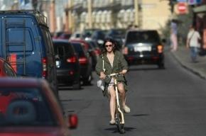 В Петербурге маршрутка насмерть сбила велосипедистку на «зебре»