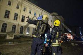 В Невском районе при пожаре пенсионер отравился угарным газом