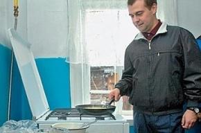Медведев огласил перечень запрещенных импортных товаров