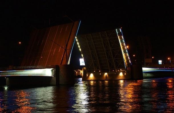 Депутат потребовал уволить виновных в незаконном перекрытии Тучкова моста