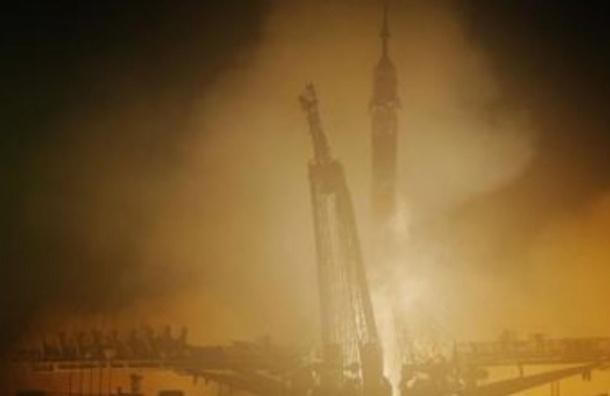 «Союз» с заклинившей батареей пристыковался к МКС