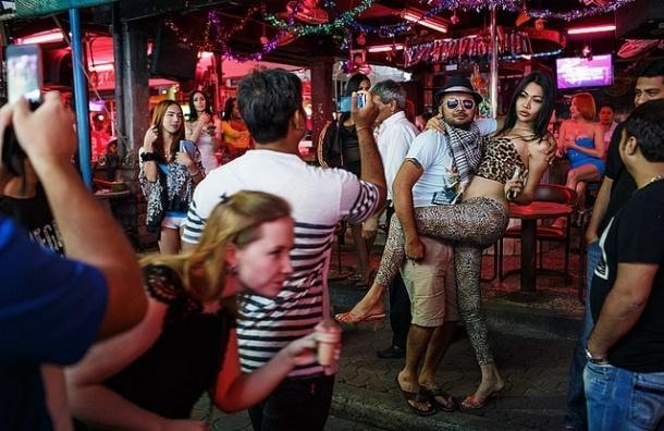 В Таиланде введут браслеты для поиска пьяных туристов