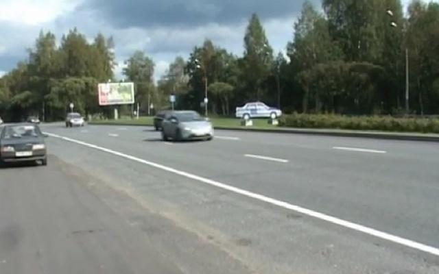 На Приморском шоссе установили муляж автомобиля ГИБДД: Фото