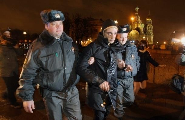 Художника Павленского направили на психиатрическое обследование