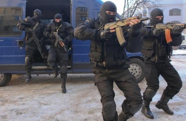 В Петербурге бизнесмена ограбили на 9 млн под видом сотрудников СКР