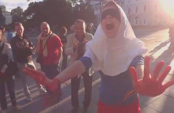 «Ослепшая Россия с кровью на руках» прошлась по Невскому проспекту