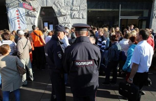 Медведев обязал туроператоров выдавать документы за сутки до вылета