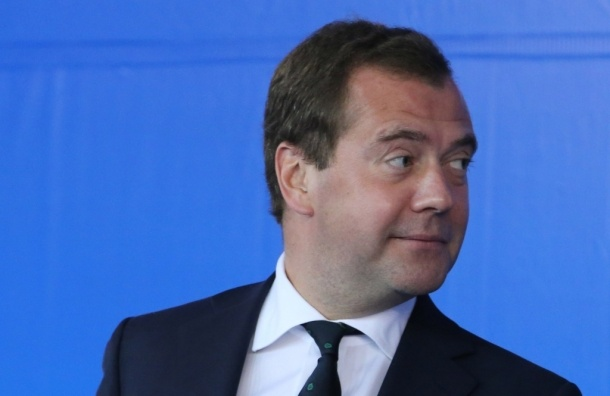 Медведев будет лично инспектировать продуктовые магазины
