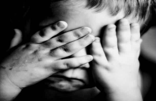 В Петербурге мать привязывала к кровати и избивала своих детей