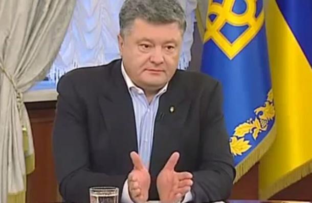 Порошенко: Украина потеряла 65% военной техники на Донбассе