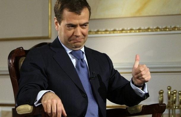 Медведев не видит оснований для кризиса на туристическом рынке