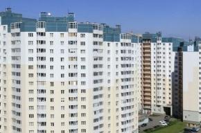 В Калининском районе из окна выпали два человека