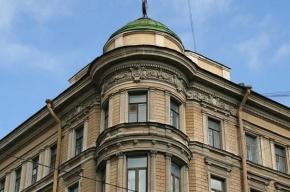 В Петербурге 88-летняя пенсионерка выпала из окна и погибла