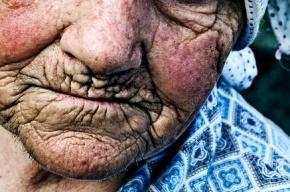 Петербурженка жестоко избила свою пожилую мать