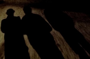 Трое мужчин похитили и изнасиловали девушку в центре Петербурга