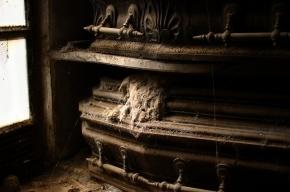 В Испании могильщик сделал фото на память с выкопанным трупом