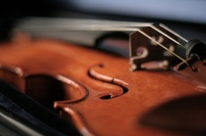 В Москве полицейские вернули музыканту похищенную скрипку