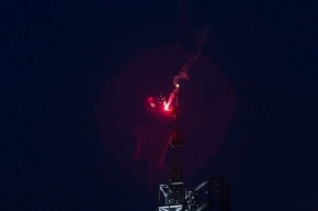 Руфер поднял флаг Петербурга на шпиль ТРК «Лиговъ»