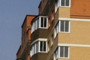 Петербуржец выбросился с восьмого этажа из-за долгов