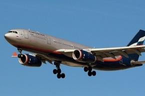 Самолет вынужденно сел в аэропорту Астрахани из-за авиадебошира