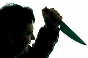 В Невском районе мужчина ранил полицейского ножом