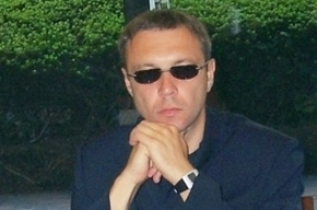 Поступил в продажу новый роман Пелевина о «трех цукербринах»