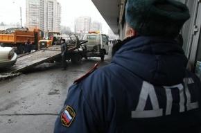 Эвакуатор попал в массовое ДТП на Старо-Петергофском проспекте