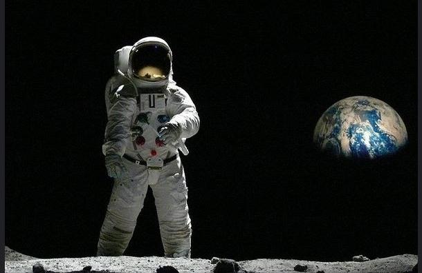 СМИ: США  хотели взорвать на Луне атомную бомбу