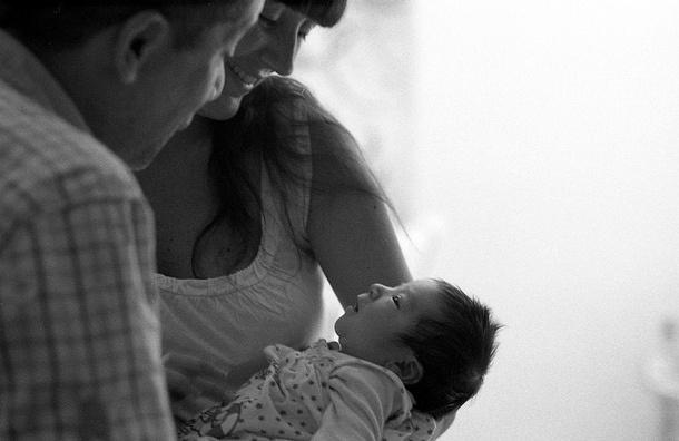 Ученые: Женщина с пересаженной маткой впервые родила ребенка