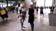 В «Пулково» рыцарь на белом коне сделал даме предложение: Фоторепортаж