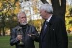 В Петербурге двум дубам присвоили звание памятника: Фоторепортаж
