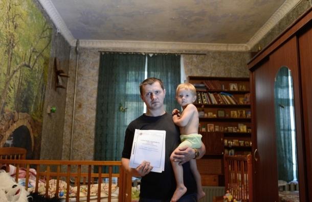 Соседи Милонова: депутат затягивает суд по залитой квартире