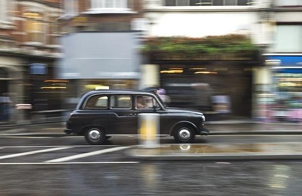 Петербург будут рекламировать в лондонских такси
