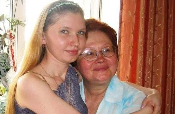 Дочь и больная раком мать ищут временное жилье в Петроградском районе Петербурга