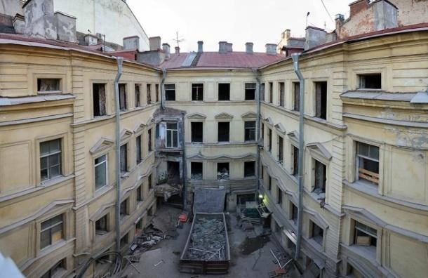 Суд запретил работы в доме Штакеншнейдера