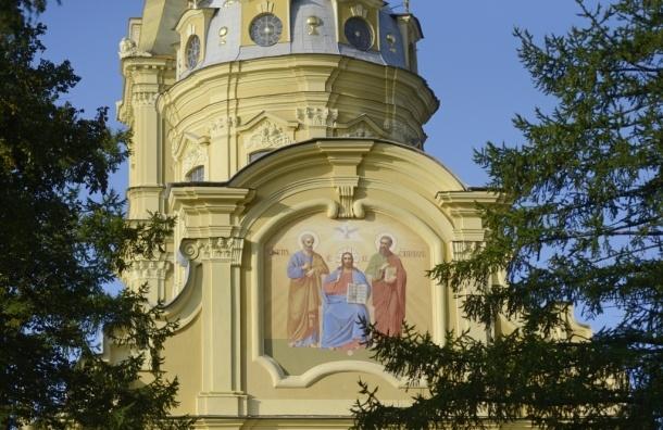 Петропавловскому собору вернули фреску