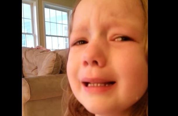 Обама довел до слез девочку