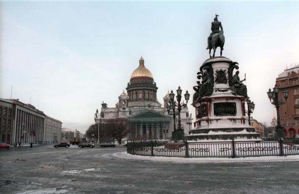 В Петербурге 19 октября выпал первый снег